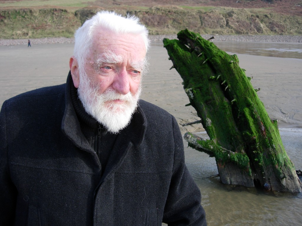Michael Freeman with the wreck of the 'Helvetia' (20 February 2011)