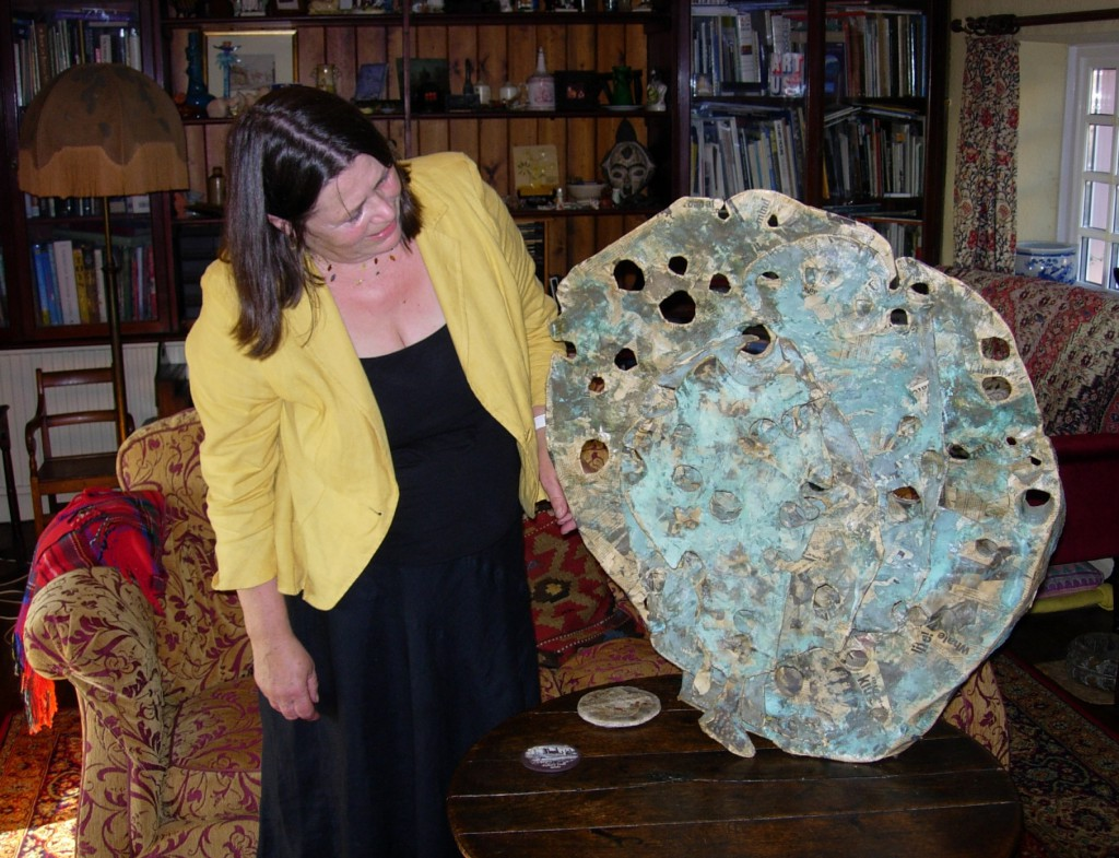 Lynne Bebb with one of her sculptures, Mynydd y Garreg, Kidwelly, 7 September 2007