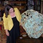Lynne Bebb with one of her sculptures, Mynydd y Garreg, Kidwelly, 7 September 2007